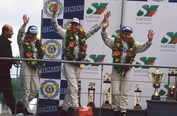 1995 Le Mans 24 Hours. Le Mans, France. 17th - 18th June 1995. J.J. Lehto/Yannick Dalmas/Masanori Sekiya (McLaren F1 GTR), 1st position, podium, portrait. World Copyright: LAT Photographic. Ref:  95LM26