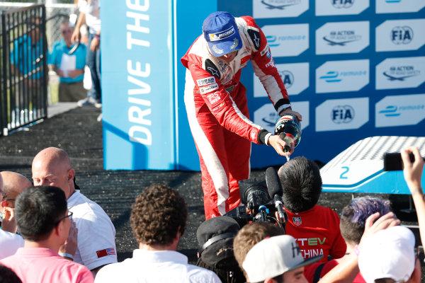 2014/2015 FIA Formula E Championship. Nelson Piquet Jr (BRA)/China Racing - Spark-Renault SRT_01E  Long Beach ePrix, Long Beach, California, United States of America. Sunday 5 April 2015  Photo: Al Staley/LAT/Formula E ref: Digital Image _R6T8773