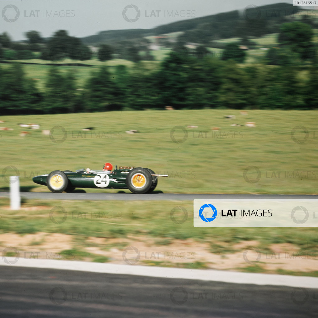 Spa-Francorchamps, Belgium.12-14 June 1964.Peter Arundell (Lotus 25 Climax).Ref-3/1250.World Copyright - LAT Photographic