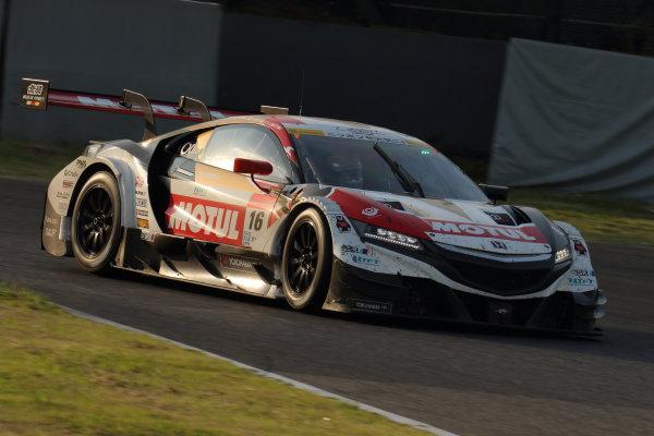2017 Japanese Super GT Series. Suzuka, Japan. 26th - 27th August 2017. Rd 6. GT500 12th position Jenson Button ( #16 MOTUL MUGEN NSX-GT ) action World Copyright: Yasushi Ishihara / LAT Images. Ref: 2017SGT_Rd6_JB_013