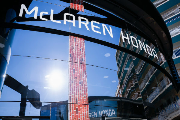 Monte Carlo, Monaco. Sunday 28 May 2017. McLaren adopts a distinctly American feel in the hospitality area, in celebration of their participation in the Indy 500 with Fernando Alonso, McLaren. World Copyright: Andy Hone/LAT Images ref: Digital Image _ONZ0908