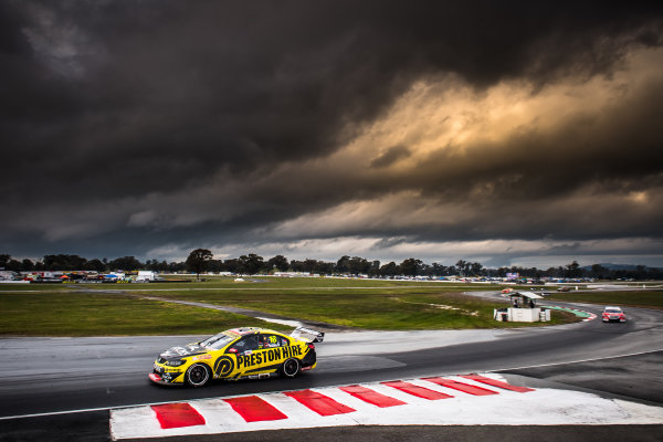 2017 Supercars Championship Round 5.  Winton SuperSprint, Winton Raceway, Victoria, Australia. Friday May 19th to Sunday May 21st 2017. Lee Holdsworth drives the #18 Preston Hire Racing Holden Commodore VF. World Copyright: Daniel Kalisz/LAT Images Ref: Digital Image 190517_VASCR5_DKIMG_3536.JPG