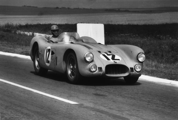 Reims, France. 4th - 5th July 1953 Louis Rosier/Yves Giraud-Cabantous (Talbot Lago T26GS), 2nd position, action. World Copyright: LAT Photographic Ref:  53 - 65 - 34-34A.