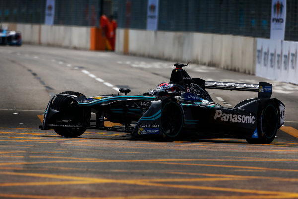Suzuka Circuit, Japan. Sunday 09 October 2016. Adam Carroll (47, Panasonic Jaguar Racing) World Copyright: Zak Mauger/LAT Photographic ref: Digital Image _L0U0831