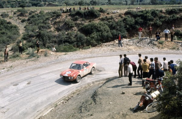 1970 Acropolis Rally. Athens, Greece. 28th - 31st May 1970. Sandro Munari / Arnaido Bernacchini (Lancia Fulvia 1.6 Coupe HF), retired, action. World Copyright: LAT Photographic. Ref: 70RALLY02