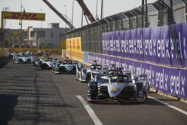Oliver Rowland (GBR), Nissan e.Dams, Nissan IMO1, leads Felipe Massa (BRA), Venturi Formula E, Venturi VFE05, and Edoardo Mortara (CHE) Venturi Formula E, Venturi VFE05