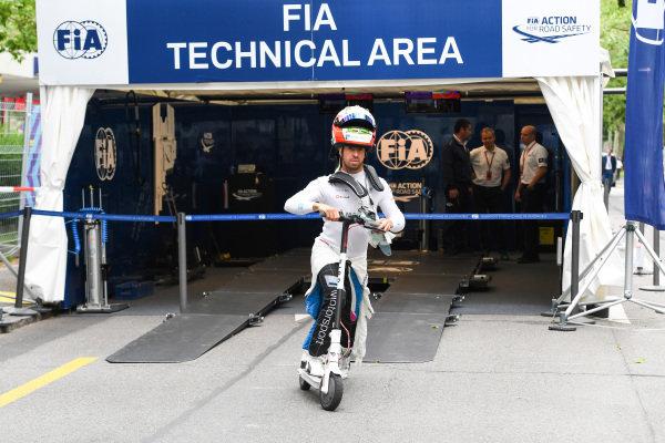Antonio Felix da Costa (PRT), BMW I Andretti Motorsports, scooter passes its technical assessment