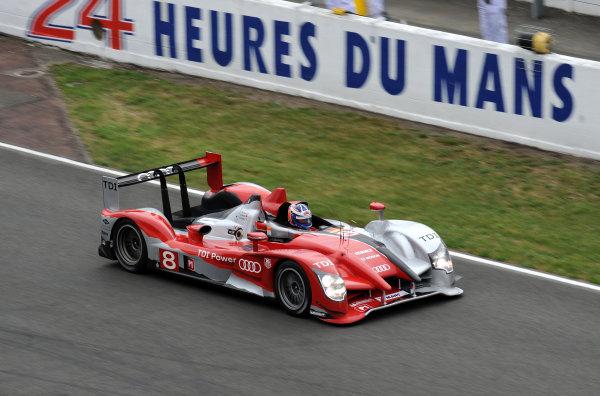 Circuit de La Sarthe, Le Mans, France. 6th - 13th June 2010.Andre Lotterer / Marcel Fassler / Benoit Treluyer, Audi Sport Team Joest, No 8 Audi R15-Plus TDI. Action. World Copyright: Jeff Bloxham/LAT PhotographicDigital Image DSC_6991 JPG