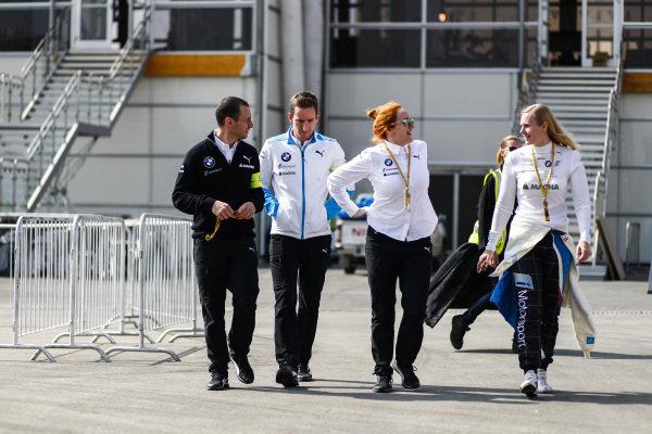 Beitske Visser (NLD), BMW I Andretti Motorsports, with the BMW I Andretti team