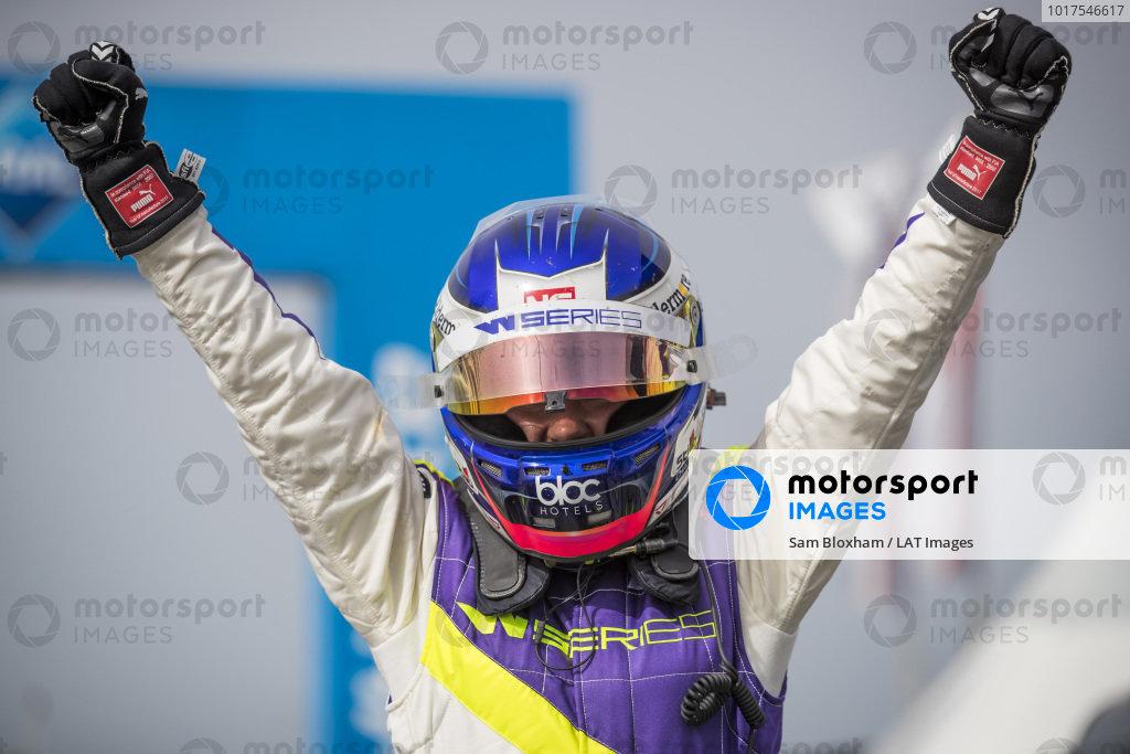 Jamie Chadwick (GBR) celebrates after winning the race