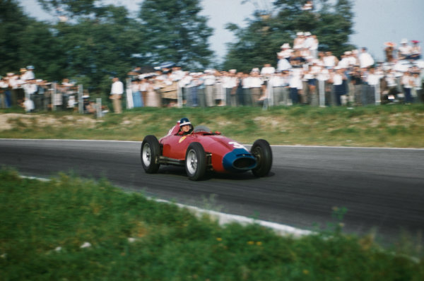 Monza, Italy. 6-8 September 1957. Mike Hawthorn (Lancia-Ferrari D50 801) 6th position, action.Ref-57 ITA 28. WorldCopyright - LAT Photographic