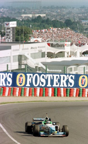 1996 Japanese Grand Prix.Suzuka, Japan.11-13 October 1996.Gerhard Berger (Benetton B196 Renault) 4th position.World Copyright - LAT Photographic