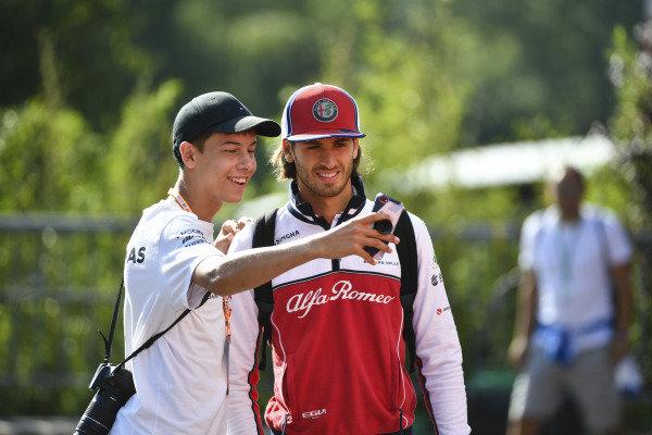 Antonio Giovinazzi, Alfa Romeo Racing, has his photo taken with a fan