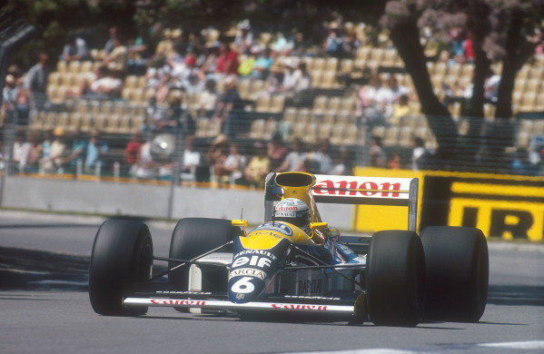 1990 Australian Grand Prix.Adelaide, Australia.2-4 November 1990.Riccardo Patrese (Williams FW13B Renault) 6th position.Ref-90 AUS 31.World Copyright - LAT Photographic