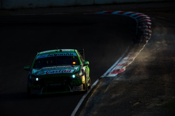 2016 V8 Supercar Championship Round 5.  Winton SuperSprint, Winton Raceway, Victoria, Australia. Friday 19th May to Sunday 21st May 2016. Mark Winterbottom drives the #1 The Bottle-O Racing Ford Falcon FGX. World Copyright: Daniel Kalisz/LAT Photographic Ref: Digital Image 200516_V8SCR5_WINTON_DKIMG_0972.JPG