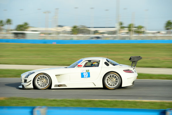 17-18  November,  2015, Daytona Beach, Florida, USA 19, Mercedes, SLS AMG GT3, GTD, Victor Gomez IV ©2015, Richard Dole LAT Photo USA