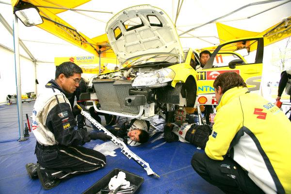 Round 14, Rally Japan30th October - 2nd November 2008Suzuki, serviceWorldwide Copyright: McKlein/LAT