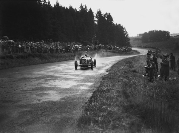 Nurburgring, Germany. 19th July 1931. Rene Dreyfus (Maserati 26M), retired, action.  World Copyright: LAT Photographic. Ref:  Autocar Glass Plate B6818