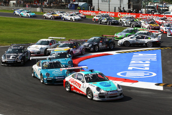 Race winner Nicholas Tandy (GBR) Konrad Motorsport leads at the start of the race.