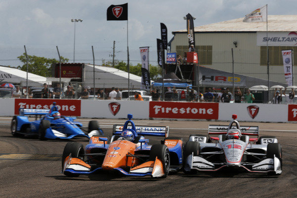Scott Dixon, Chip Ganassi Racing Honda passes Will Power, Team Penske Chevrolet