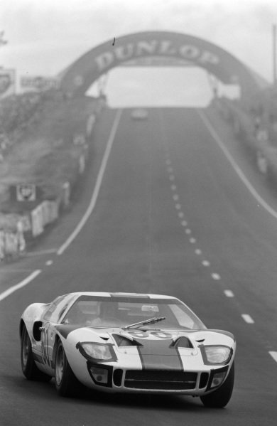 Jochen Neerpasch / Jacky Ickx, Essex Wire Corporation, Ford GT40.