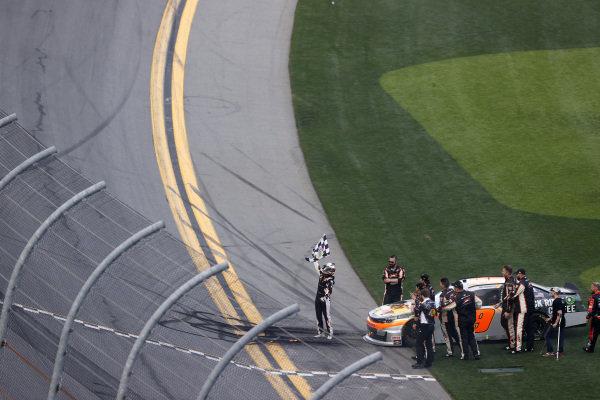 #9: Noah Gragson, JR Motorsports, Chevrolet Camaro, burnout, celebration