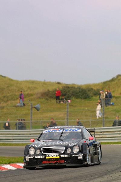2001 DTM ChampionshipZandvoort, Holland. 22nd - 23rd September 2001.Race winner Uwe Alzen (Mercedes Benz CLK), action.World Copyright: Peter Spinney/LAT Photographicref: 8 5mb Digital Image Only