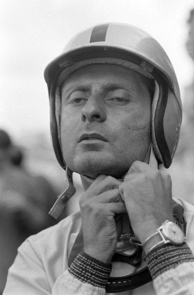 Nino Vaccarella, Ferrari 275P, 1st.