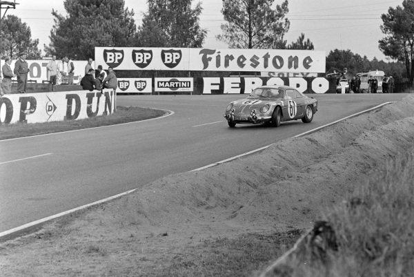 Jacques Bourdon / Maurice Nussbaumer / Michel Pouteaux, Ecurie Lèopard, Alpine A110 - Renault R8 Gordini.