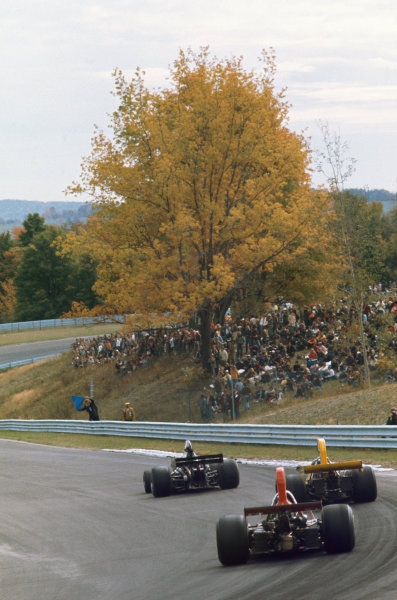 1973 United States Grand Prix.  Watkins Glen, New York, USA. 5-7th October 1973.  George Follmer, Shadow DN1 Ford, leads Mike Beuttler, March 731 Ford, and Jacky Ickx, Williams IR01 Ford.  Ref: 73USA43. World copyright: LAT Photographic