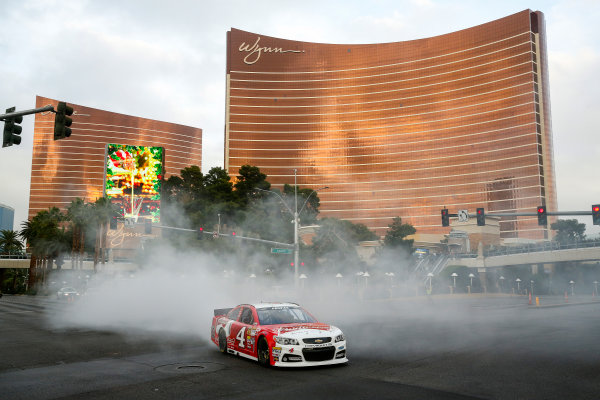 3-5 December, 2014, Las Vegas, Nevada USA Champion Kevin Harvick Burnout ©2014, Michael L. Levitt LAT Photo USA