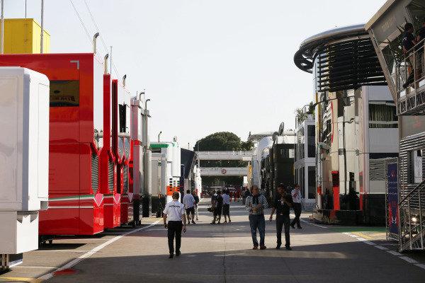 Circuit de Catalunya, Barcelona, Spain. Saturday 9 May 2015. Motorhomes in the paddock. World Copyright: Alastair Staley/LAT Photographic. ref: Digital Image _79P8501