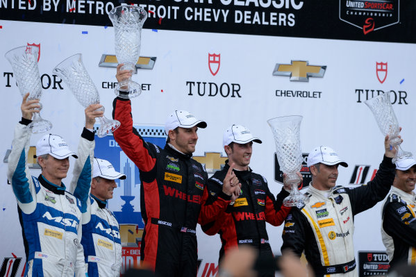 29-30 May, 2015, Detroit, Michigan USA 60, Honda HPD, Ligier JS P2, P, John Pew, Oswaldo Negri, Jr.,  31, Chevrolet, Corvette DP, P, Eric Curran, Dane Cameron, 5, Chevrolet, Corvette DP, P, Joao Barbosa, Christian Fittipaldi ©2015, Richard Dole LAT Photo USA