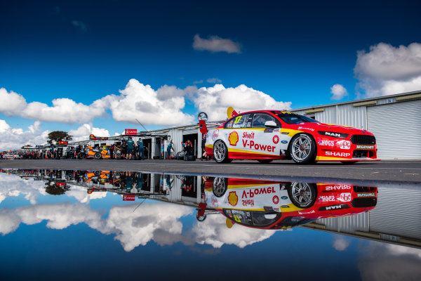 2017 Supercars Championship Round 5.  Winton SuperSprint, Winton Raceway, Victoria, Australia. Friday May 19th to Sunday May 21st 2017. Scott McLaughlin drives the #17 Shell V-Power Racing Team Ford Falcon FGX. World Copyright: Daniel Kalisz/LAT Images Ref: Digital Image 200517_VASCR5_DKIMG_5081.JPG