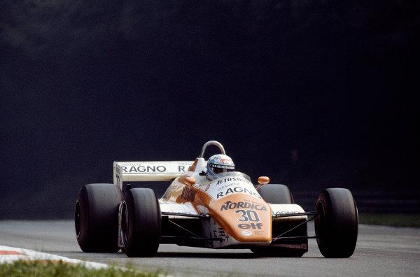 1982 Italian Grand Prix.Monza, Italy.10-12 September 1982.Mauro Baldi (Arrows A5 Ford) 12th position.Ref-82 ITA 27.World Copyright - LAT Photographic