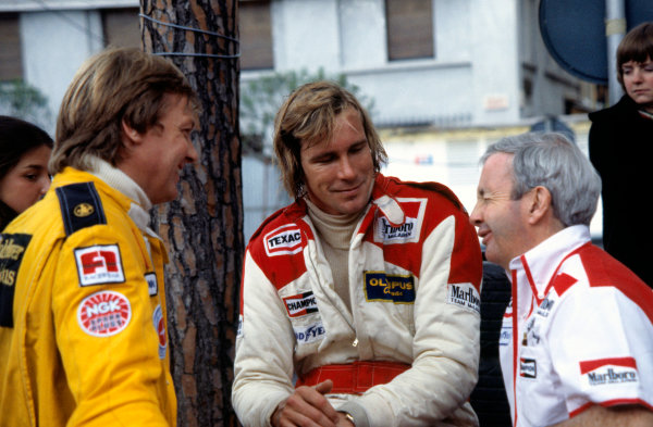 1978 Monaco Grand Prix.Monte Carlo, Monaco. 7 May 1978.Ronnie Peterson (Lotus), James Hunt and Teddy Mayer (McLaren).World Copyright: LAT Photographicref: 35mm Transparency Image