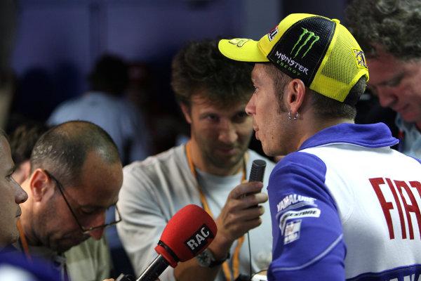Le Mans, France. 16th - 17th May 2009.Valentino Rossi Fiat Yamaha Team interviewed by Italian media.World Copyright: Martin Heath/LAT Photographicref: BPI_Moto 898x