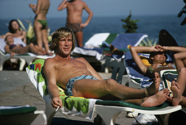 Jacarepagua, Rio de Janeiro, Brazil.27-29 January 1978.James Hunt (McLaren Ford) relaxes in the Rio sun.Ref-78 BRA 23.World Copyright - LAT Photographic