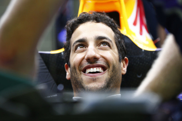 Marina Bay Circuit, Singapore. Thursday 18 September 2014. Daniel Ricciardo, Red Bull Racing. World Copyright: Andy Hone/LAT Photographic. ref: Digital Image _ONZ1920