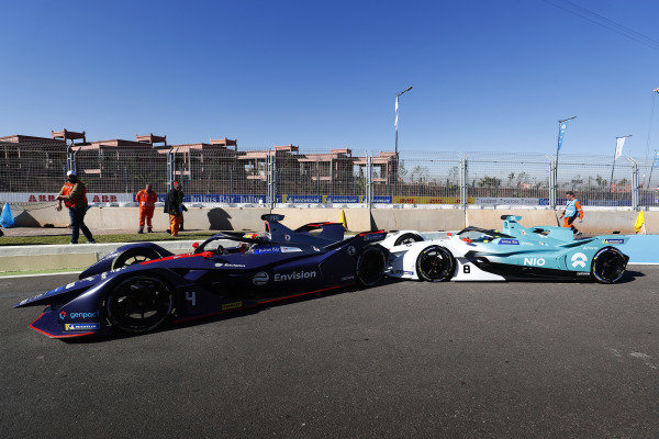 Tom Dillmann (FRA), NIO Formula E Team, NIO Sport 004, crashes into Robin Frijns (NLD), Envision Virgin Racing, Audi e-tron FE05, in the pit lane