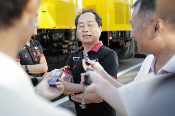 Toyoharu Tanabe, F1 Technical Director, Honda talks to the media