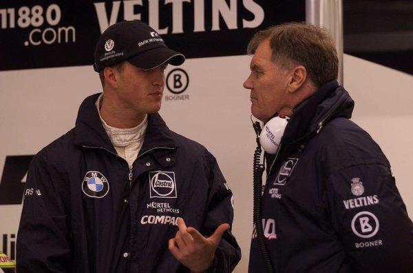 2000 British Grand Prix.Silverstone, England. 21-23 April 2000.Williams Technical Director Patrick Head with Ralf Schumacher (Williams BMW).World Copyright - LAT Photographic