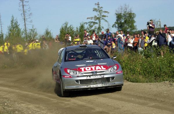 2001 World Rally Championship.Neste Rally Finland. Jyvaskyla, August 24-26, 2001.Didier Auriol on stage 1.Photo: Ralph Hardwick/LAT