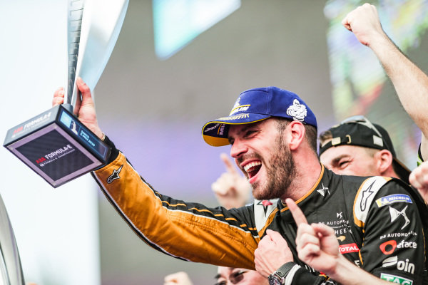 Jean-Eric Vergne (FRA), DS TECHEETAH, celebrates victory on the podium