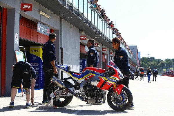 Ryuichi Kiyonari, Honda WSBK Team bike.