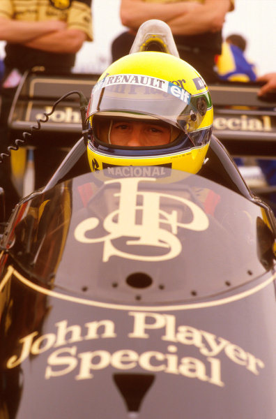 Adelaide, Australia.1-3 November 1985.Ayrton Senna (Team Lotus). He retired after leading due to his engine blowing up on lap 63. Ref-85 AUS 09.World Copyright - LAT Photographic