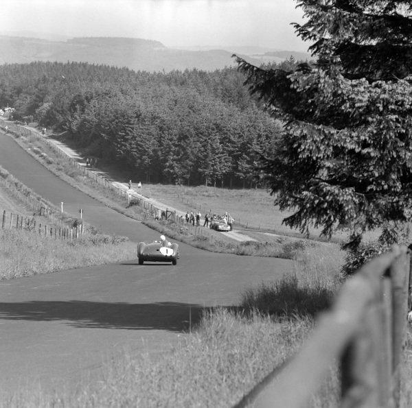 Stirling Moss / Jack Brabham, David Brown, Aston Martin DBR1/300.