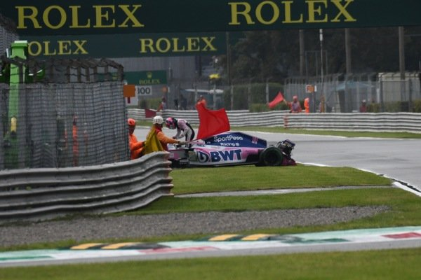 Sergio Perez, Racing Point RP19, hits the barriers
