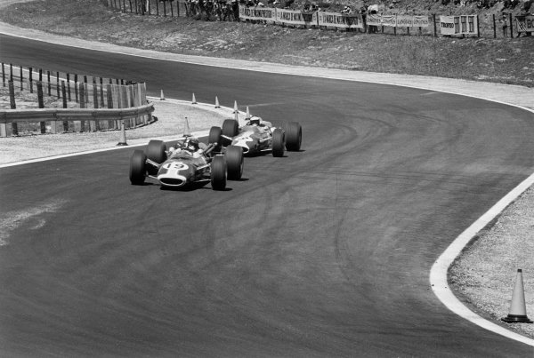 Jarama, Spain. 23rd July 1967. Jim Clark (Lotus 48-Cosworth), 1st position,action. World Copyright: LAT Photographic ref: 1663/33