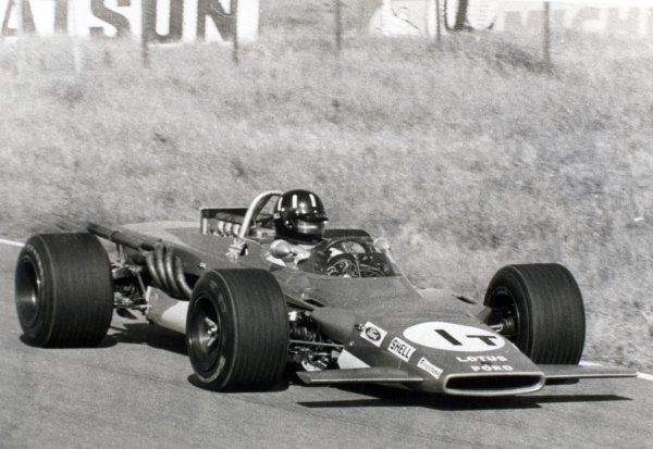 1969 Dutch Grand Prix.Zandvoort, Holland. 21 June 1969.Graham Hill, Lotus 63-Ford, in practice, action.World Copyright: LAT PhotographicRef: Autosport b&w print